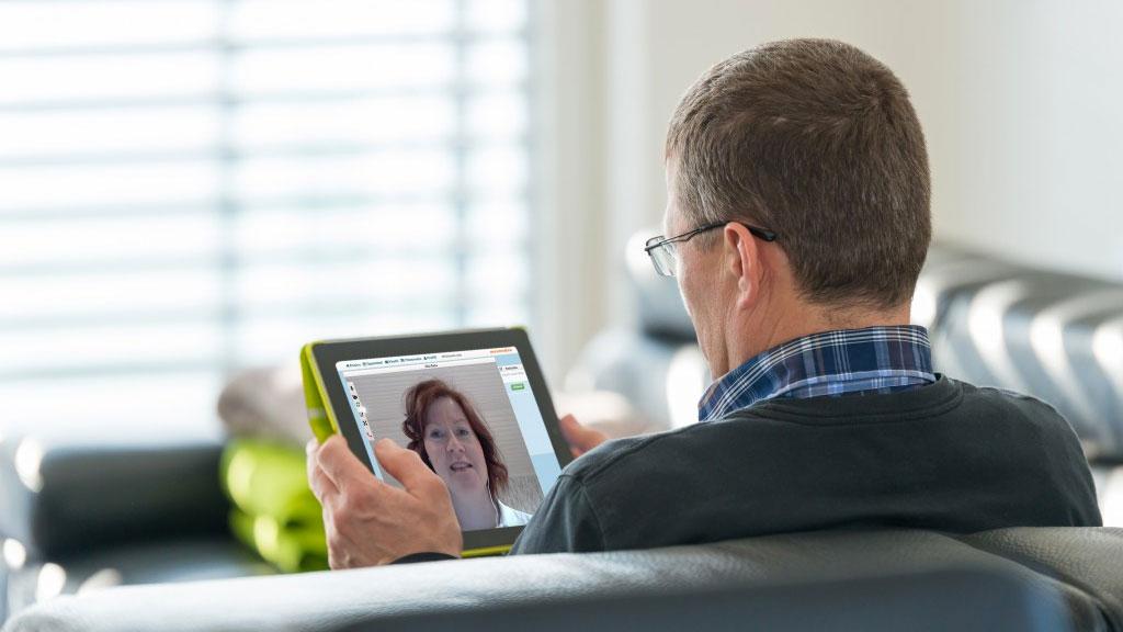 Hyvä terveydenhuollon digitalisaatio ei jätä ihmistä yksin – suomalaisten terveyden parantamiseen on yksinkertainen keino